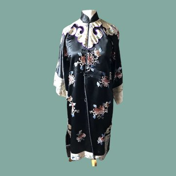 Chinese robe 1920's.Embroidered .
