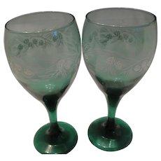2 Juniper Holiday Stemmed Wine Glasses
