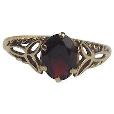 9ct Yellow Gold Garnet Ring UK Size Q+ US 8 ½