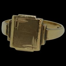 Gents 9ct Yellow Gold Ring UK Size W US 11