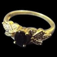 9ct Gold Dress Ring Set With Oval Cut 0.5 Ct Onyx Size O (US 7 1/4) 2.6g