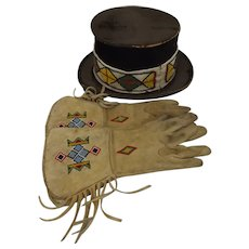 Pair Of Native American Indian Gloves & Hat From Buffalo Bills Wild West Show