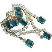 Gorgeous Emerald Green w Peridot Rhinestone Brooch Dangles Exquisite Quality of Design