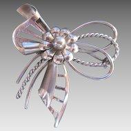 Fabulous Sterling Silver Modernism Bow Brooch Designer Signed Mod Vintage Pin