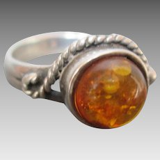 Nice Amber in Sterling Silver Ring Size 8 Vintage Estate Item