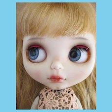 Beautiful Artist Blythe Doll