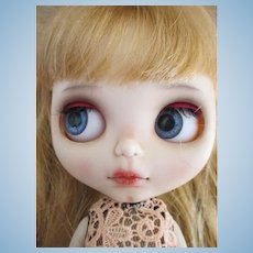 Beautiful Artist Blythe Doll