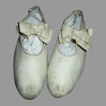 Victorian Child Shoes To Display With Your Dolls