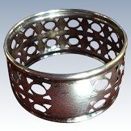 Elegant Pierced Canadian Sterling silver Napkin Ring Serviette Holder