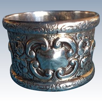 Outstanding English Victorian Repousse Sterling Silver Napkin Ring Serviette Holder
