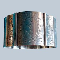Ornate Sterling silver Napkin Ring Serviette Holder by Towle Engraved Robert