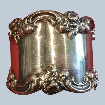 Gorgeous ornate Sterling silver Napkin Ring Serviette Holder with Roses