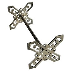 Ornate Sterling silver Knife Rest by Lunt