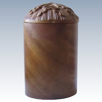 Wood Carved Scallop Shell Box
