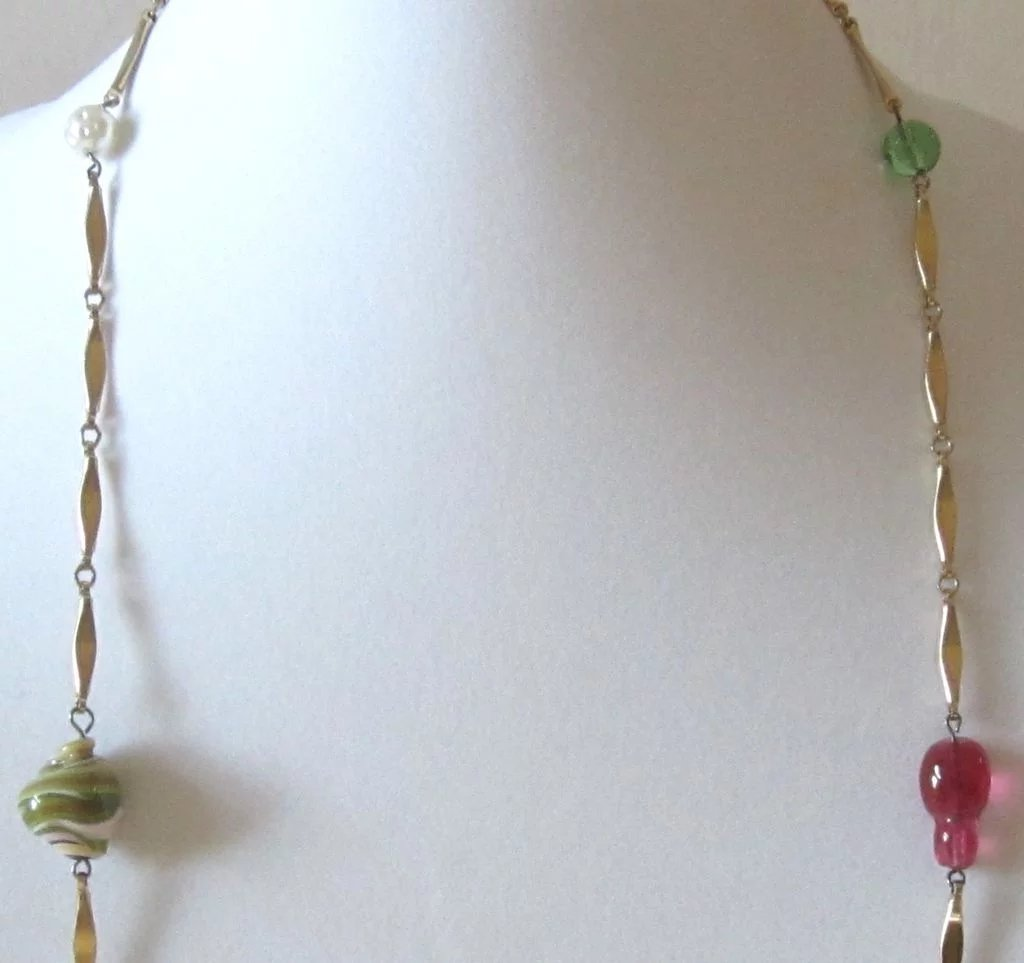 veronica the necklace Jeweler veronica stewart is an artist at the avenue gallery, a contemporary fine art  necklaces, collars, earrings and rings which i then weave with gemstones,.