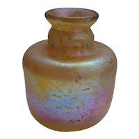 Vintage Robert Eickholt d1979 Iridescent Blown Art Glass Vase