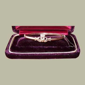 Sweet Irish 9 carat rolled gold Claddagh hinged bangle