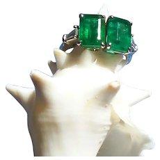 Emerald and Baguette Diamond Art Deco Ring set in Platinum