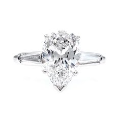 I-VVS2 GIA 2.38ct Estate Vintage Solitaire PEAR Shaped and Baguettes Diamond Engagement Platinum Ring