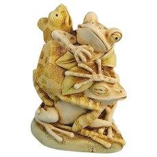 Harmony Kingdom Menage a Trois Frogs Treasure Jest Version 1