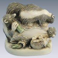 Harmony Kingdom Foul Play Skunks Treasure Jest Box Figurine