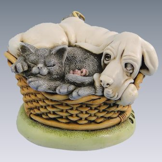 Harmony Kingdom Pecking Order Dog Cat Treasure Jest