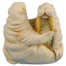 Harmony Kingdom Love Seat Walrus Couple Treasure Jest