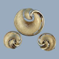 Trifari Crown Swirl Brooch Pin Earrings Goldtone Vintage