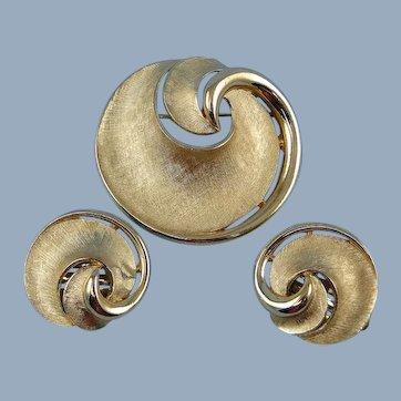 Trifari Crown Swirl Brooch Pin Earrings Goldtone Vintage