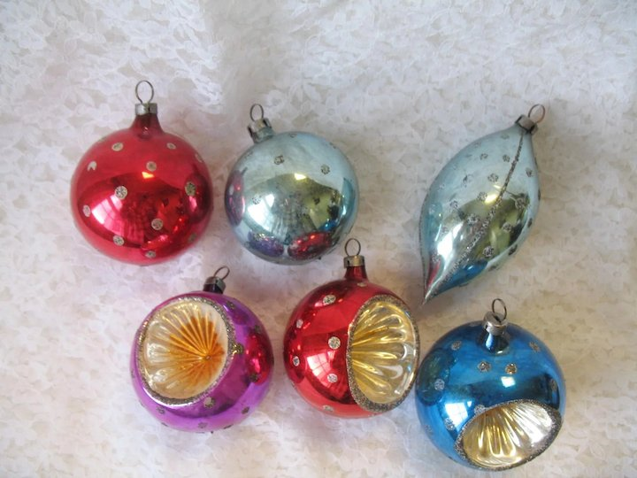 set of 12 vintage glass christmas ornaments czechoslovakia indents bells round boxed mica polka dots