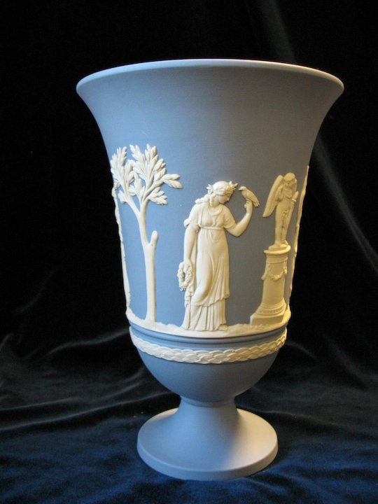 Wedgwood Jasperware Sacrifice Vase 7 12 Cream On Lavender Blue