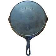 """Pre Griswold """"ERIE"""" No. 8A Cast Iron Skillet Heat Ring Sits Flat"""