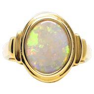 Ladies 18K Yellow Gold Ring featuring a Solid 2.05 Carat Australian Opal