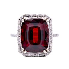 Ladies 8-10 Carat Red Garnet 14K White Gold Ring surrounded by Diamonds