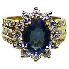 Estate Ladies Blue Sapphire 18K Yellow Gold Ring adorned with Diamonds