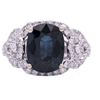 Ladies 6.58 Carat Natural Sapphire 18K White Gold Ring with Diamonds