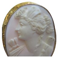 Fine Edwardian Cameo Brooch 10k Gold Engraved setting
