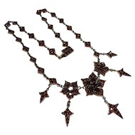 Splendid Victorian Silver Gold Gilt Bohemian Garnet Flower Festoon Drop Necklace