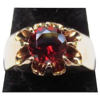 Striking 10k Gold Garnet Claw Set Vintage Ring