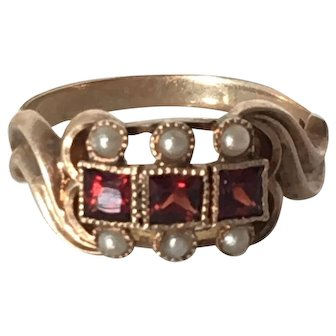 Vintage Garnet and Seed Pearl 14K Gold Ring