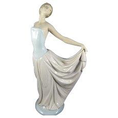 Lladro Figurine 'Dancer' #5050 Issued 1979