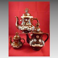Three Barge Ware Teapots with Teapot Finials Graduated Sizes