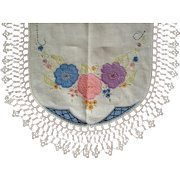 Embroidered Appliqued Oval Dresser Scarf Wide Tatting