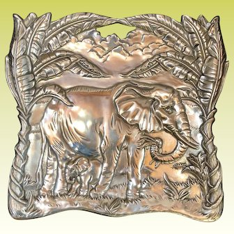 Beautiful Heavy Aluminum Arthur Court Elephant and Baby Footed Serving Tray