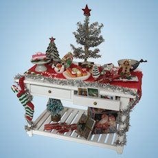 Wonderful Dollhouse Christmas Table Artist made with Goodies