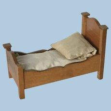 Sweet Antique Schneegas Golden Oak Bed
