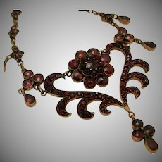 Late Victorian Bohemian Garnet Necklace 16 inches c. 1890