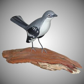 Vintage Genuine Hand Carved Painted Bird Casa Fernandez marked