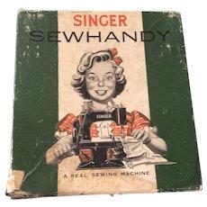 Toy Sewing Machine Singer in original Box!