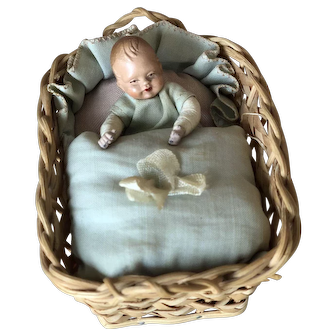 Dollhouse Tiny  Baby in Original Basket Bed Antique!